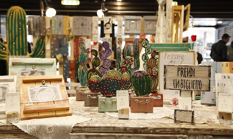 Iranian artisans show skills at Italian fair